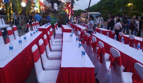 bàn ghế sự kiện ngoài trời