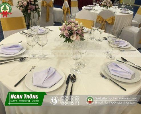 thuê bàn ghế đám cưới tphcm